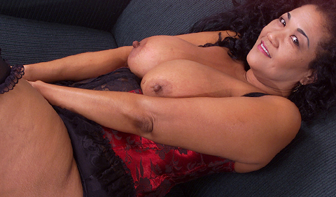 black big boobs woman for live sex chat and mobile dirty texting